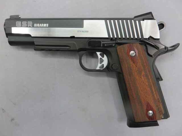 【ウエスタンアームズ】SIG ARMS GSR / アルミスライド・木製グリップ カスタム