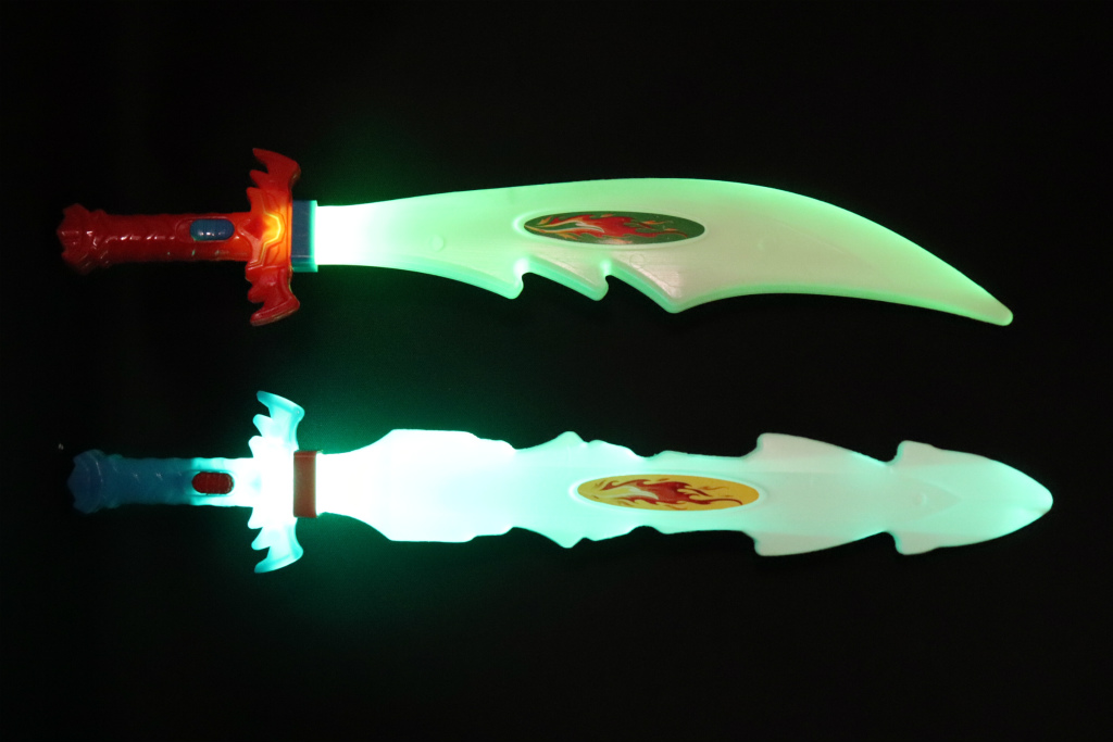光る ピカリン剣 雷