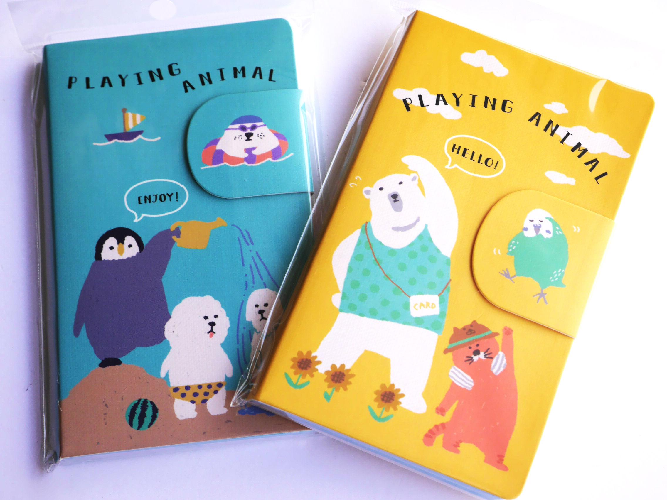 ほのぼのとした動物が描かれているメモ帳