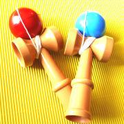 プラスチックでできたお子様用のおもちゃけん玉 軽くてやりやすいんです