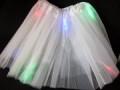 光る チュールスカート