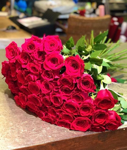 赤バラの花束(1本\550-~)