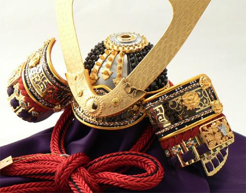 平安道齋作 10号本金箔押し小札透かし金具之兜飾りセット