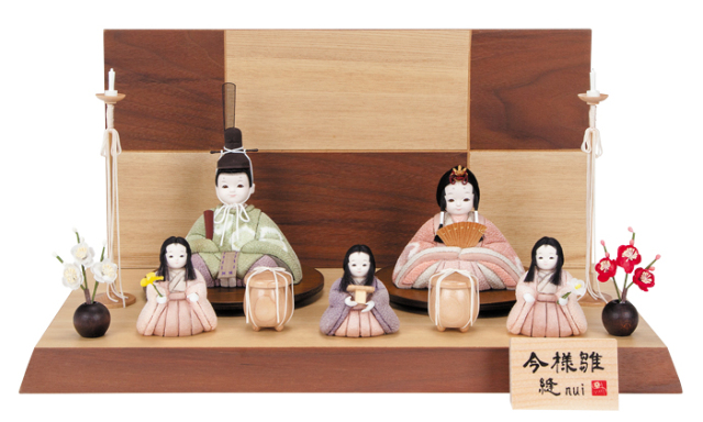 雛人形 今様雛 縫nui /木目込み親王官女5人飾り 草木染衣装Q-5 (お顔 ゆめ)