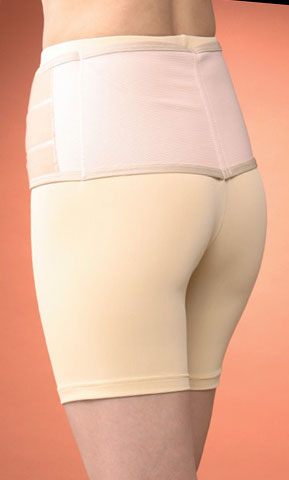 腰痛対策に、うってつけ。腰と骨盤をしっかり包み込む【腰ラクパンツ】