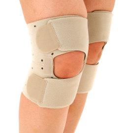 楽歩ひざ立体サポーターでつらいヒザ痛を保護。