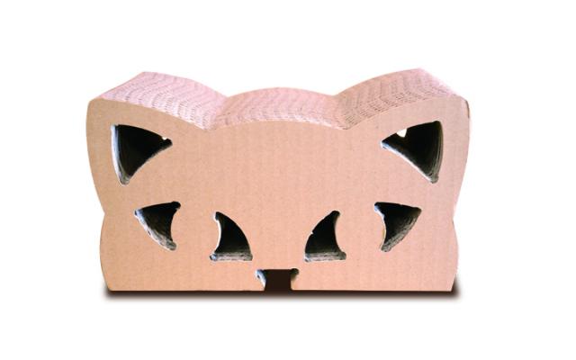 猫の爪とぎ・ボンベイ5