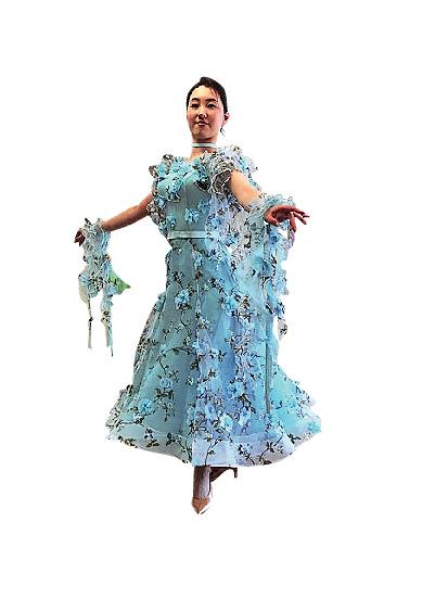 タカ・ダンスファッション