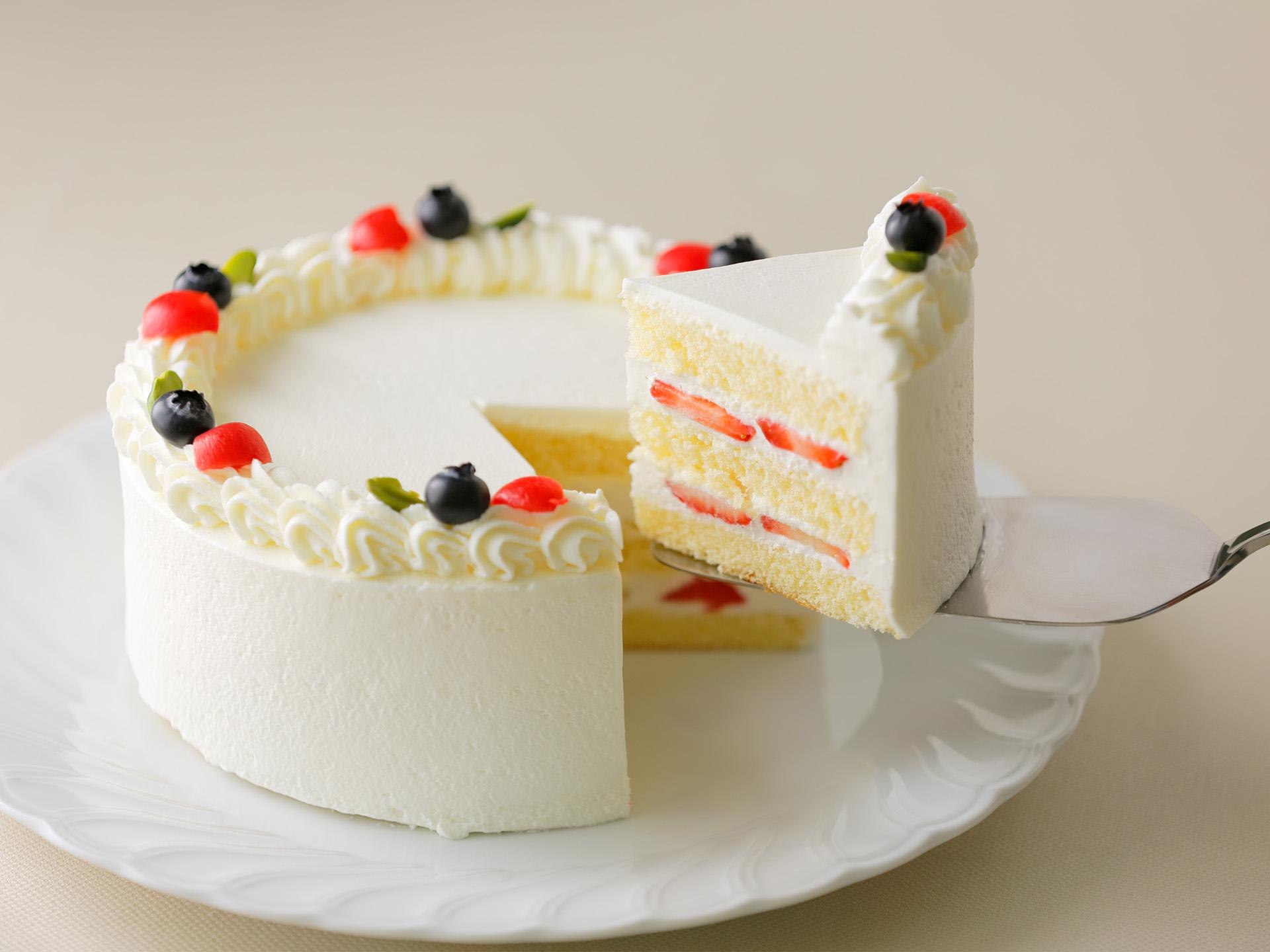 お絵かきデコレーションケーキ ケーキの断面