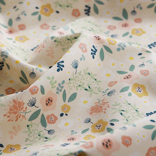 生地・布・入園入学 ≪ Tiny Garden - ベージュ ≫コットン/幅112cm  【10cm単位販売】