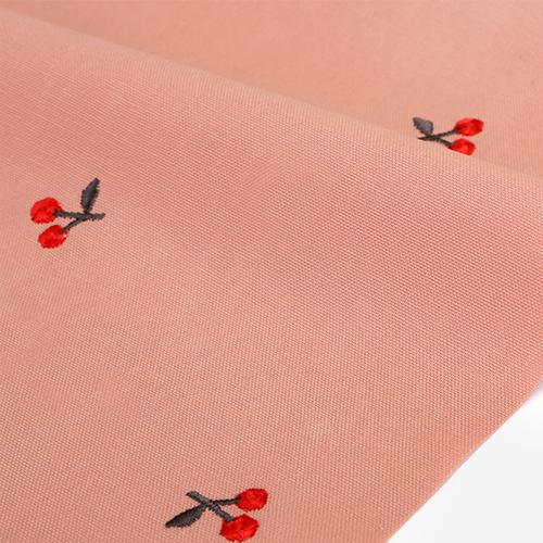 生地・布・刺繍 ≪ Cherry≫ オックス/幅148cm デコレクションズオリジナル生地・布 【10cm単位販売】