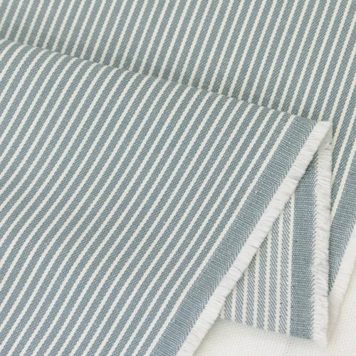 生地・布 ≪ 28 ヒッコリー 水色地×ホワイト ≫  コットン/幅114cm デニム 【10cm単位販売】