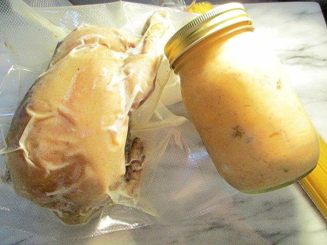 ズワイガニとポルチー二茸のパスタソース&丸ごと若鶏コンフィセット12月20日発送分
