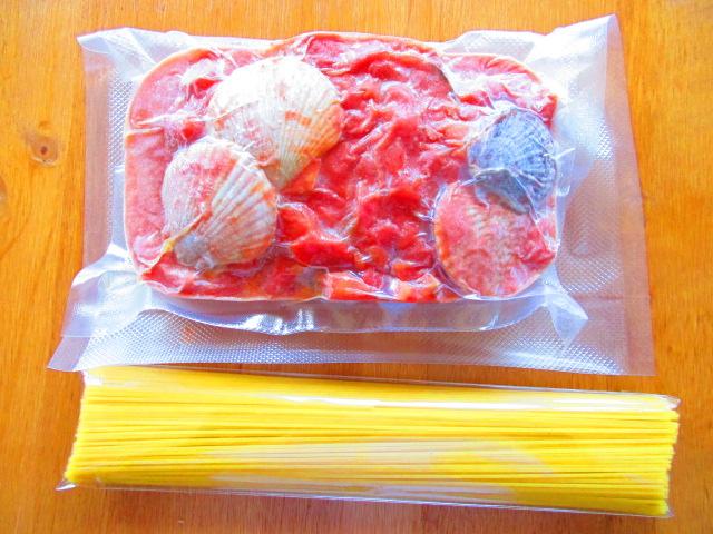 湧別産ホタテ稚貝の軽いトマトクリームパスタソース