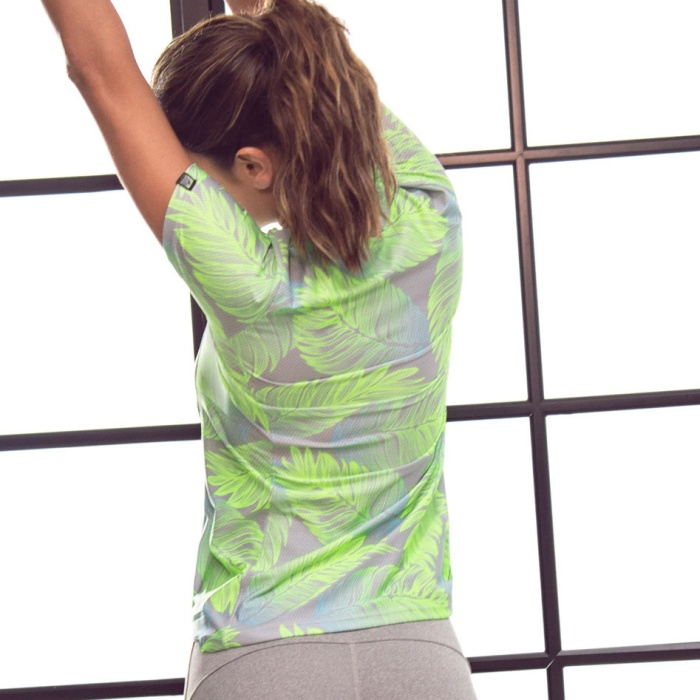 Tシャツ トップス フィッフィットネスウェア レディース ジョギング インポート ボタニカル柄