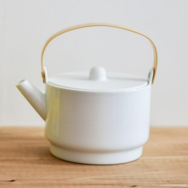 【送料無料】S&B Tea Pot White 1個≪1~3営業日で出荷≫ ( 1616 / arita japan ホワイト ティーポット 紅茶ポット ハーブティーポット 大容量 有田焼 )