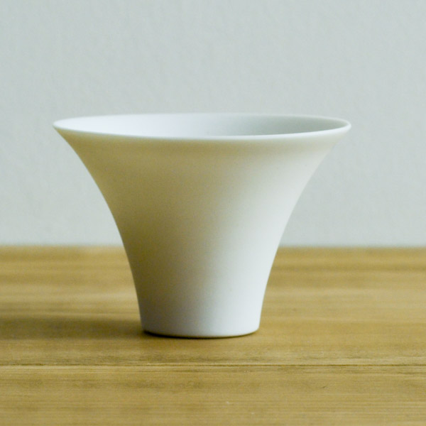 Blanc Choko sui 1個≪!取り寄せ商品!通常1ヶ月程で出荷≫ ( HANASAKA 退職祝い おちょこ 盃 酒器 九谷焼 )