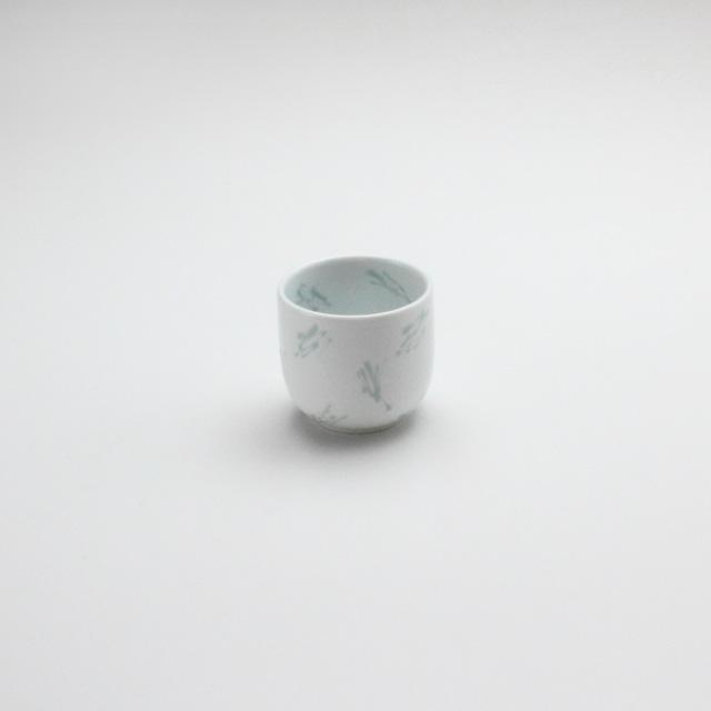 コップ小 白磁かすり