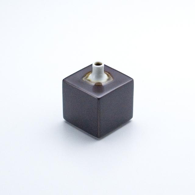 角型ミニ花瓶 鉄砂