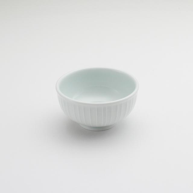 玉縁碗 立筋青白釉