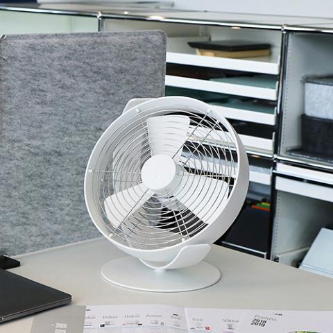 Stadler Form/Tim テーブルファン 卓上ファン 扇風機 デザイナーズ家電 スイス ホワイト ブラック レッド 白 黒 赤