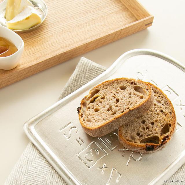 能作 ドラえもん アンキパンの皿 錫100% 食パンにちょうどよいサイズ 日本製