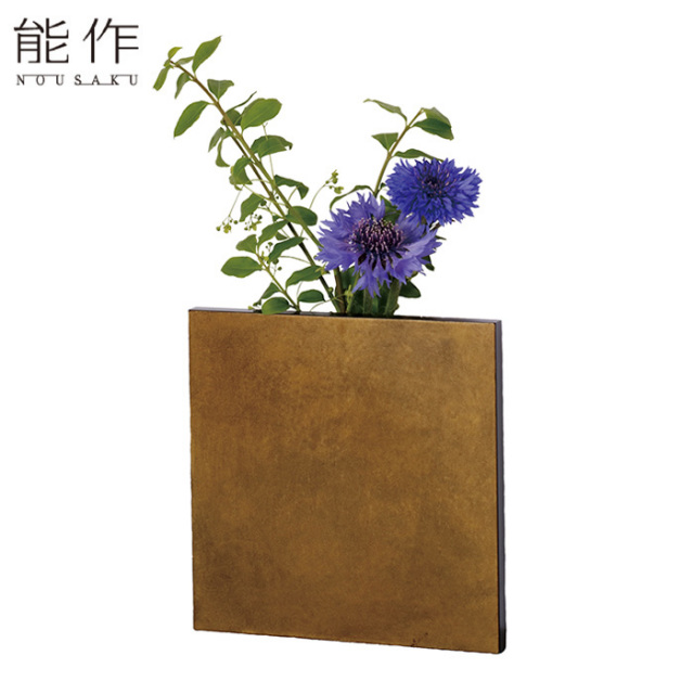 能作 壁掛け一輪挿し フラワーベース ハイヒル 真鍮 花器 花びん おしゃれ 日本製 ギフト