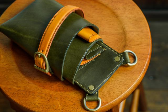 [オーダーメイドギャラリー]シザーケースS02b-4 手縫いモデル イタリアンレザーグリーン&イエロー