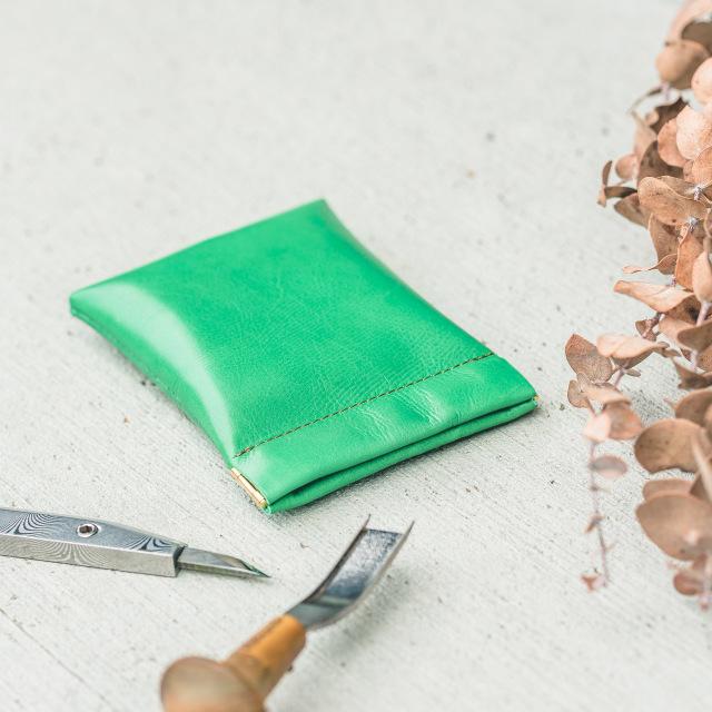 カラフルで美しいカーフ(牛革)のミニ財布