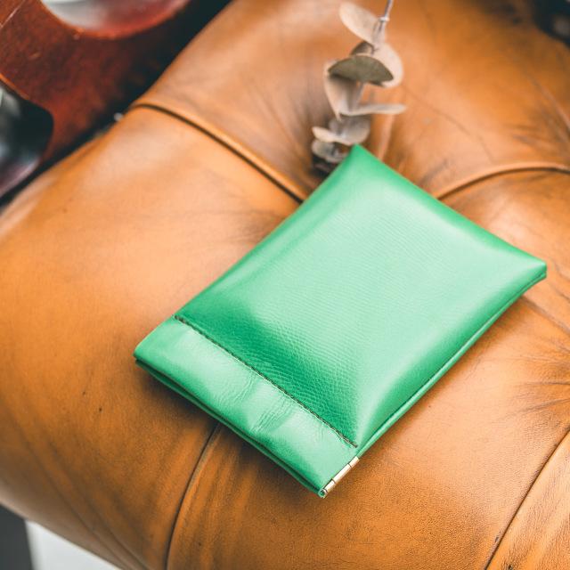 カラフルなミニ財布です