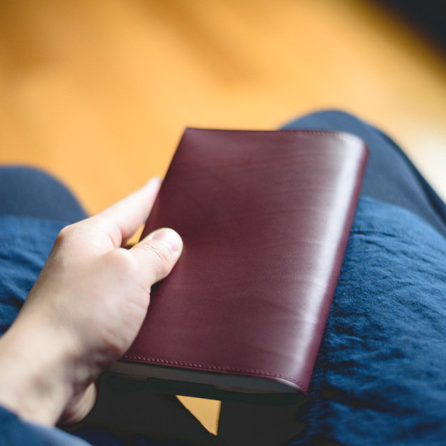 カーフの文庫本ブックカバー  使用例