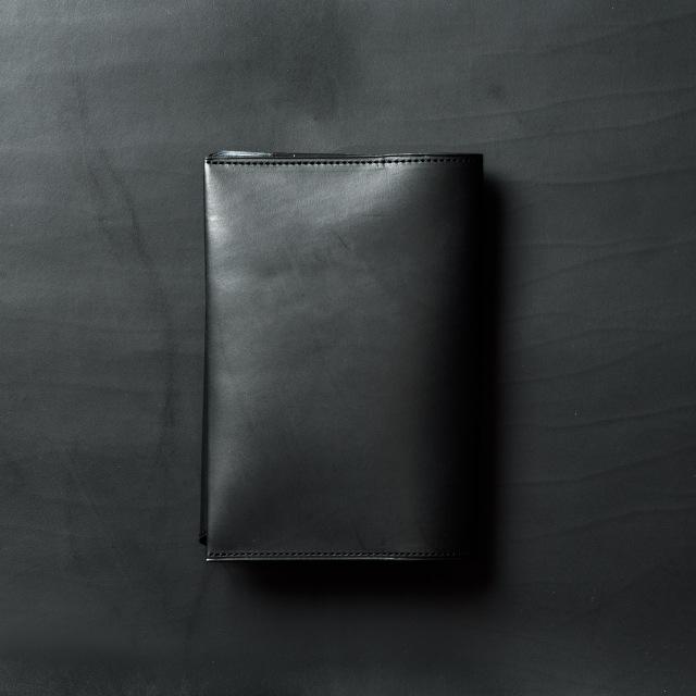 イタリア産の味カーフで作った黒のブックカバー