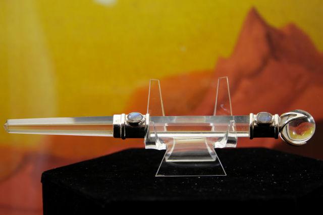 ヒマラヤ水晶ワンド/ヘキサゴナルプリズム(六角柱)シリーズ/ペリドットorムーンストーン(W681)