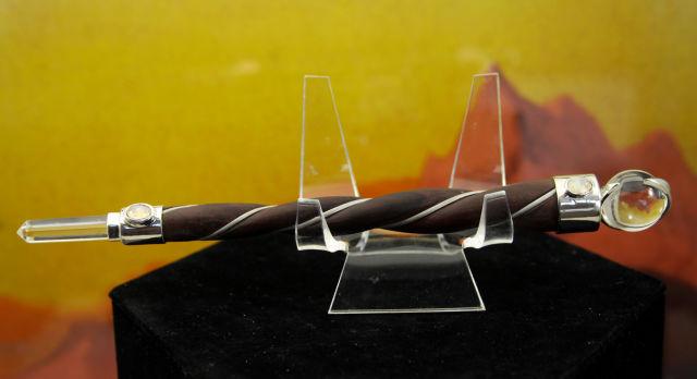 ヒマラヤ水晶ローズウッドワンド/ムーンストーンorペリドット(W684)