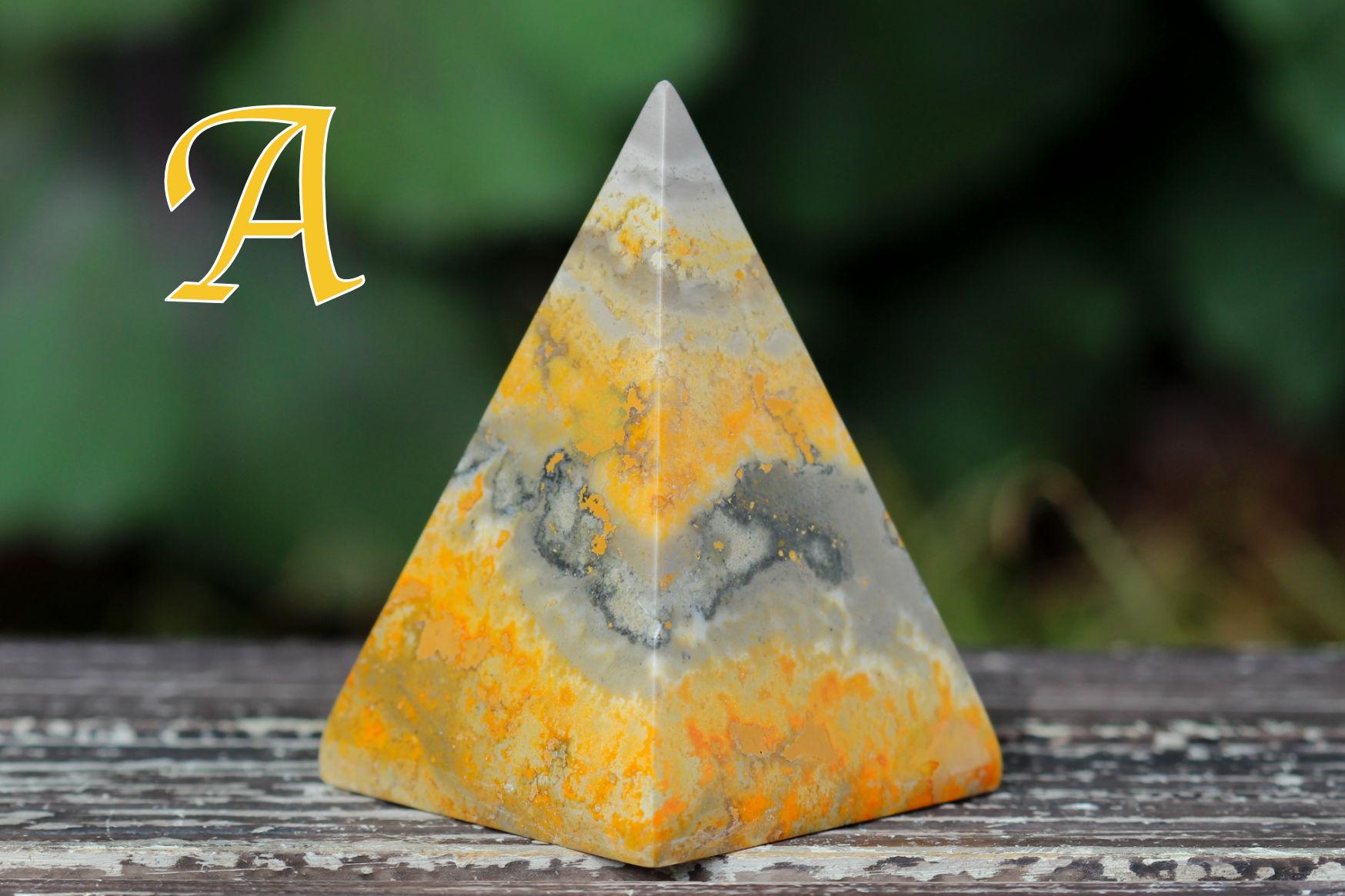 バンブルビージャスパー/ピラミッド型(R673)