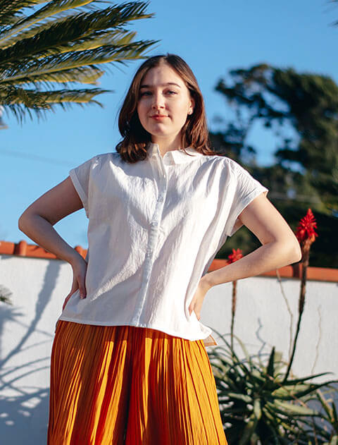 【WOMEN】刺繍ロゴ ショートシャツ