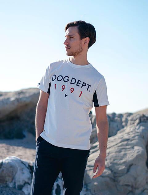 【UNISEX】フラッグクラシックロゴTシャツ