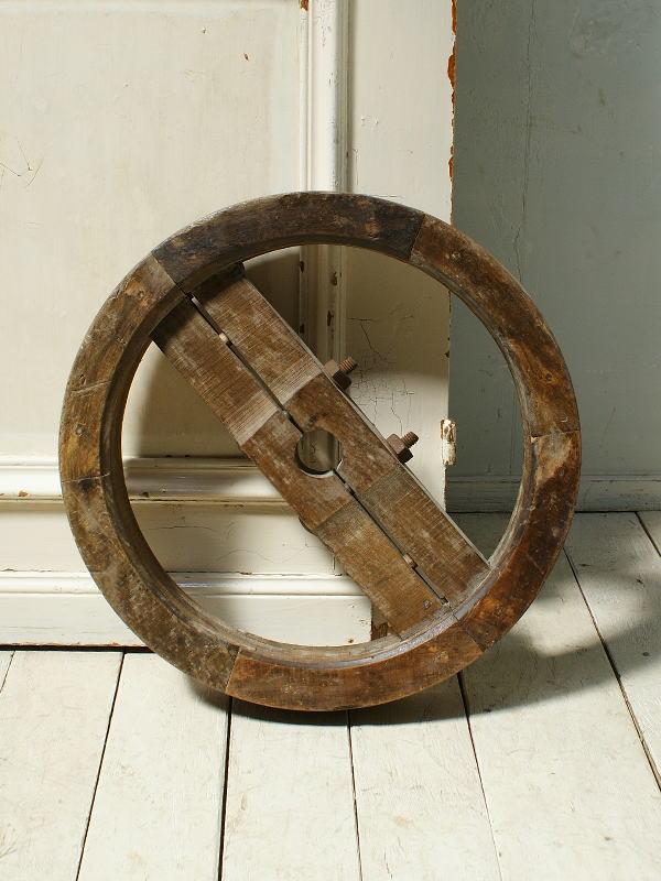 イギリス アンティーク 木製 車輪 ガーデンオーナメント 3122