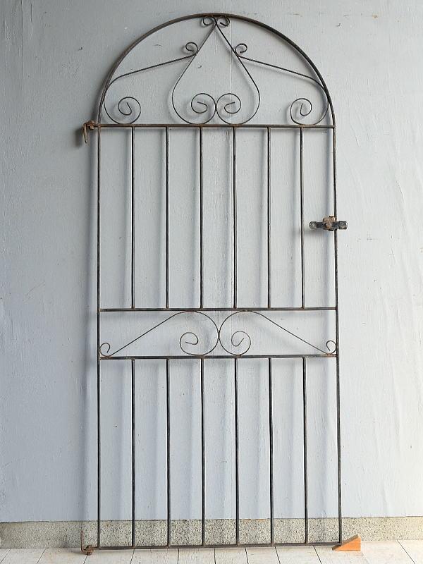 イギリスアンティーク アイアンフェンス ゲート柵 ガーデニング 7548