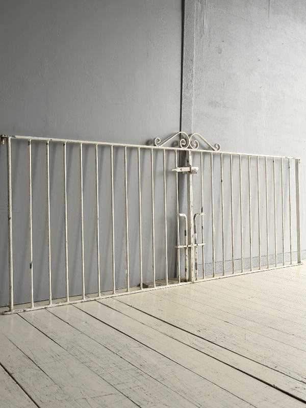 イギリス アンティーク アイアンフェンス ゲート柵 ガーデニング 7689