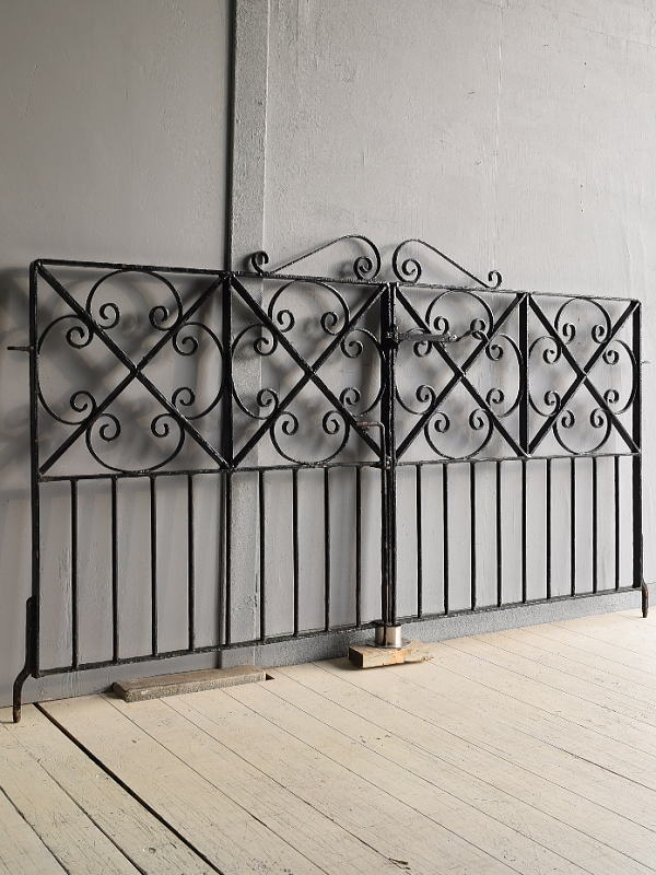 イギリス アンティーク アイアンフェンス ゲート柵 ガーデニング 7825