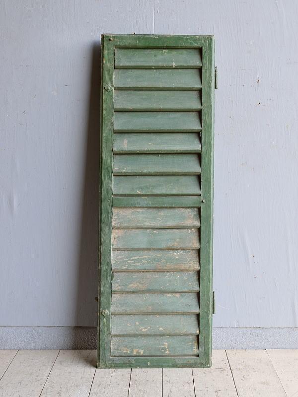 ルーマニア製 アンティーク 木製ルーバー雨戸 ディスプレイ 建具 9579