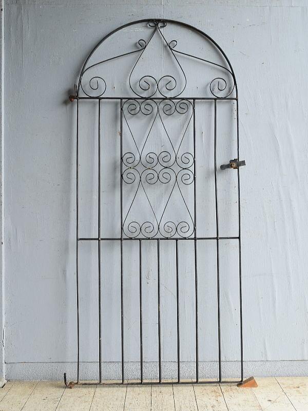 イギリスアンティーク アイアンフェンス ゲート柵 ガーデニング 8759