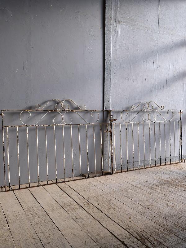 イギリスアンティーク アイアンフェンス ゲート柵 ガーデニング 9511