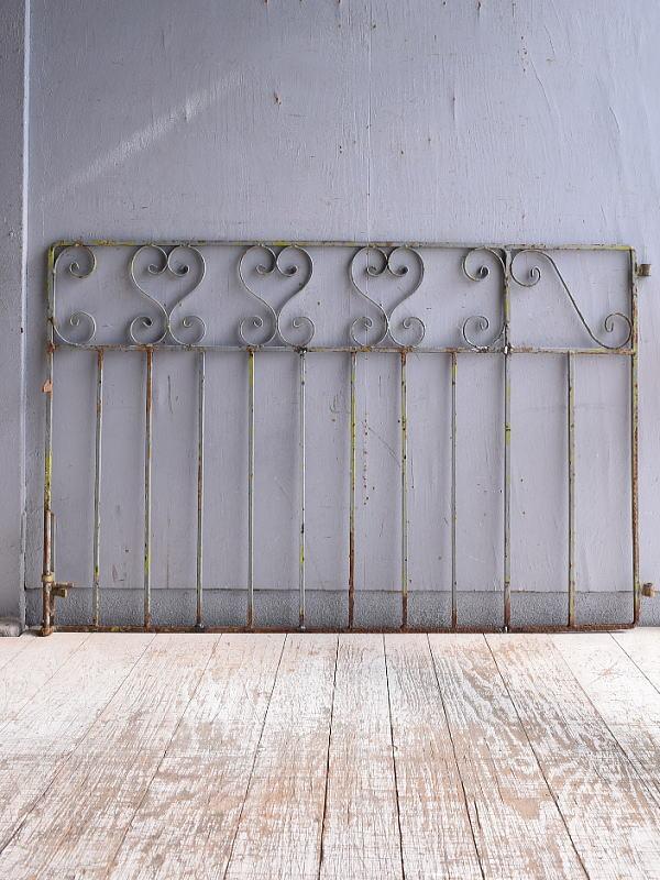 イギリスアンティーク アイアンフェンス ゲート柵 ガーデニング 9515