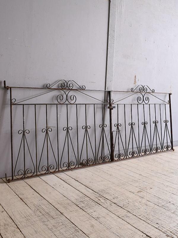 イギリスアンティーク アイアンフェンス ゲート柵 ガーデニング 9743