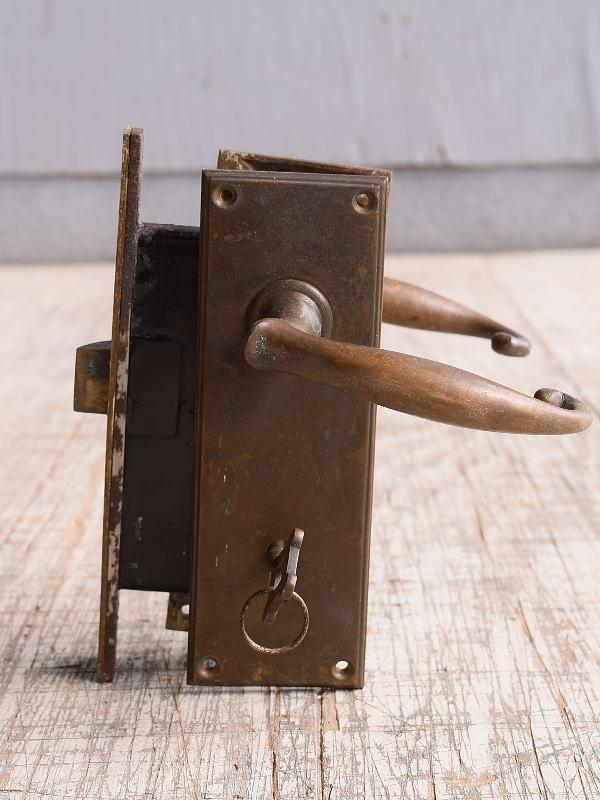 イギリス アンティーク ラッチ&ドアノブ 鍵付き 建具金物 10095