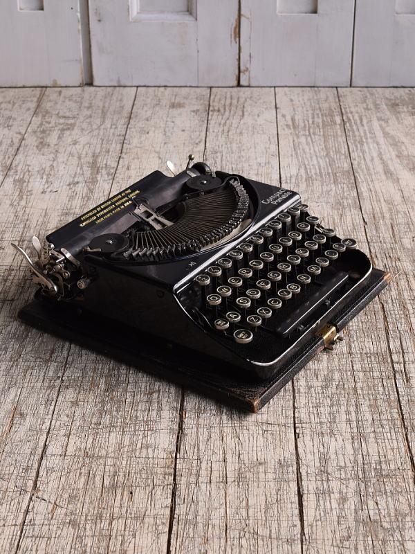 イギリスアンティーク タイプライター ディスプレイ 10137