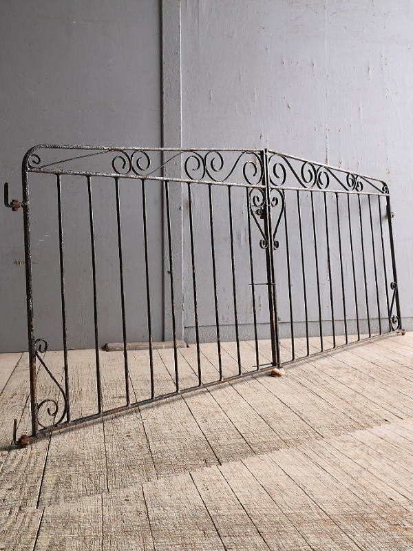 イギリスアンティーク アイアンフェンス ゲート柵 ガーデニング 10187