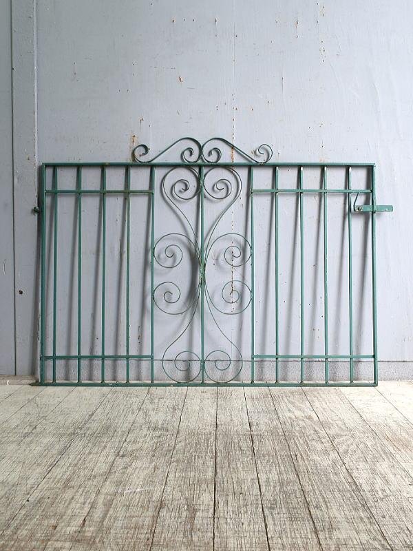 イギリスアンティーク アイアンフェンス ゲート柵 ガーデニング 10189